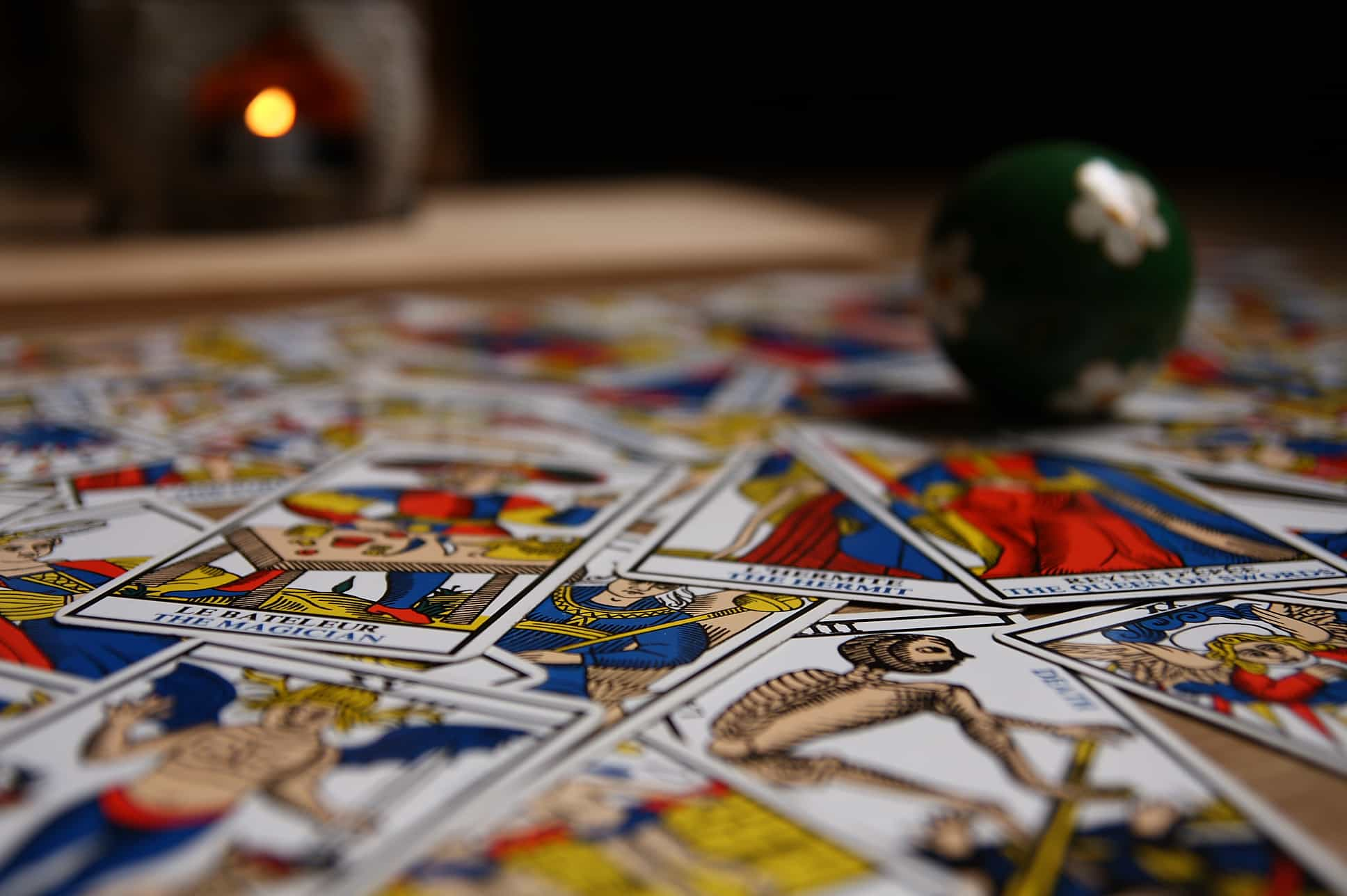 Tarot – simbolika karata  u području emocija i ljubavnog partnerstva – prvi deo