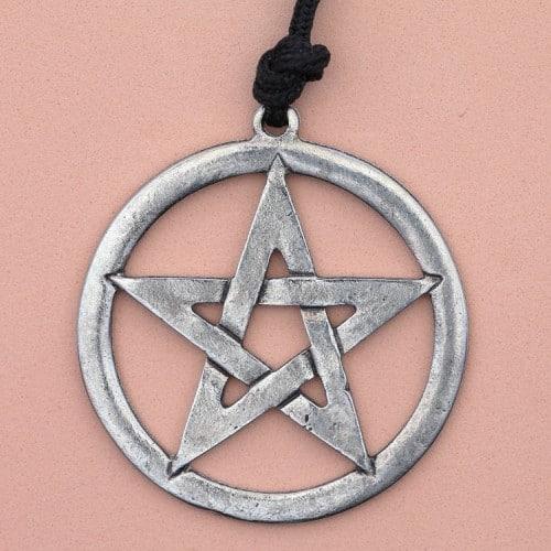 Magični pentagram  – divinacija sa dominama