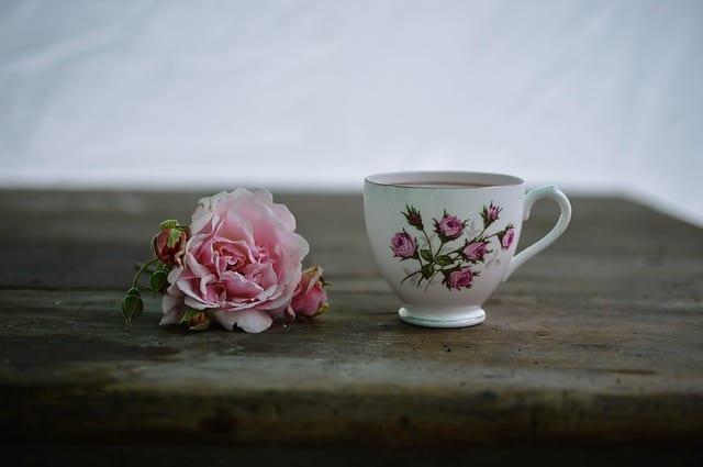 Gatanje iz taloga kafe – simbol cveta
